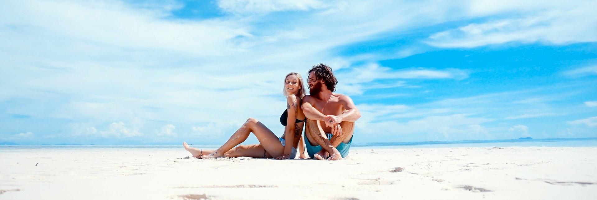 Zu zweit glücklich Rauchfrei am Strand. Hypnose Phaidros heidelberg