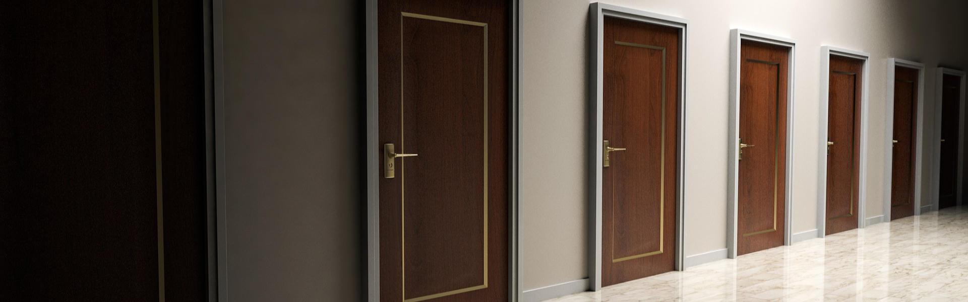 6 geschlossene Türen zum Unterbewusstsein. Hypnose öffnet den Weg ins Innere