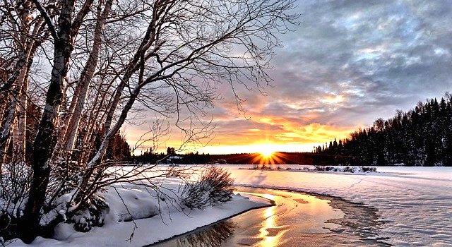 Winterdepression Hypnose Schnee Wald Sonne